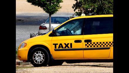 Recomendaciones para que viajes seguro a bordo de un taxi