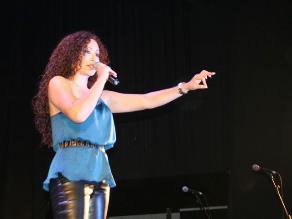 Janet Barboza alista su debut como cantante