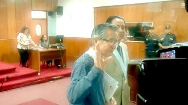Alberto Fujimori y los diarios chicha