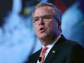 Jeb Bush abandona todos sus cargos para centrarse en candidatura