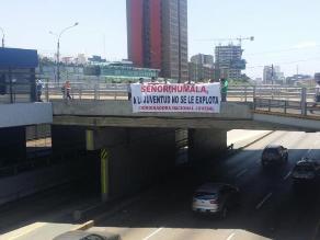 Ley jóvenes: Pequeño grupo realizó protesta en San Isidro