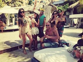 Bruno Agostini disfruta el verano junto a sexys colombianas