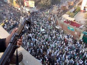 Pakistán ahorca a dos reos más condenados por terrorismo