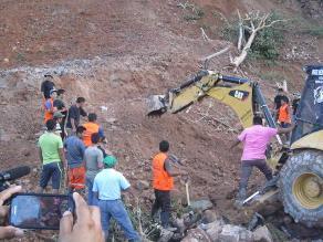 Huánuco: fuerte lluvia impide búsqueda de sepultados por huaico