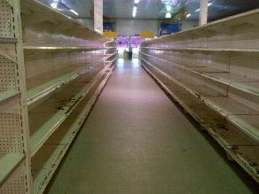 Venezolanos llenan Twitter de fotos de estantes vacíos