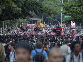 Brasil: Miles protestan por aumento de tarifas del transporte público