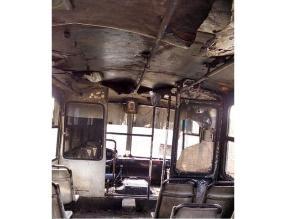 Trujillo: encapuchados incendiaron microbús tras amenazas