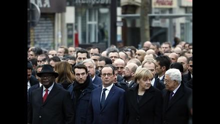 París: Hollande y líderes mundiales encabezan marcha histórica