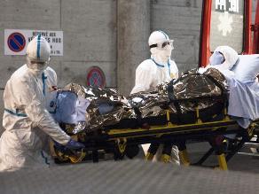 Enfermera británica con ébola supera el estado crítico