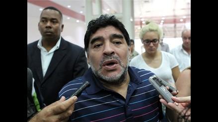 Maradona muestra carta de Fidel Castro y desmiente supuesta muerte