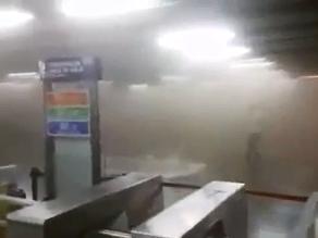 YouTube: 2 explosiones al interior de una estación del metro en Chile