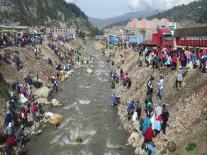 Andahuaylas: alcalde y pobladores realizan limpieza del río Chumbao