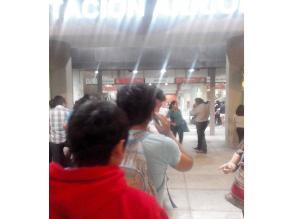 #Rotafono: caos en estación Arriola por cierre de torniquetes