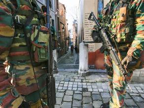 Hasta 300 militares serán desplegados para proteger Bruselas y Amberes