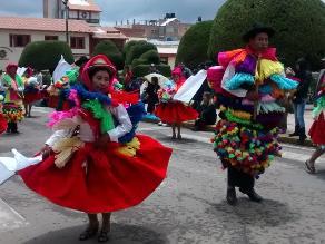 Puno: 120 conjuntos de danza realizan desfile por Virgen de la Candelaria