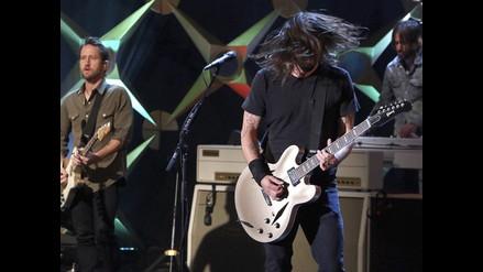 Foo Fighters: bebé de dos años sorprende tocando The Pretender