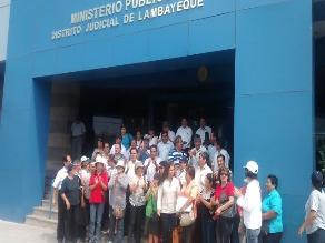Chiclayo: directores despedidos protestan en Ministerio Público