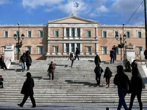 Nueva crisis en Grecia apaga brotes de esperanza en economía