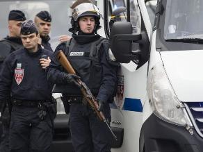 Francia despliega a 122.000 policías y militares por alerta terrorista
