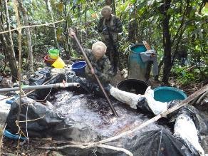 Vraem: efectivos destruyen tres pozas de maceración de hoja de coca