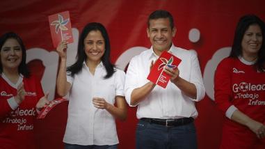 Piura: congresista del oficialismo defiende a pareja presidencial