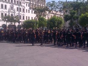 Puno: 900 policías velarán por seguridad en fiesta de la Candelaria