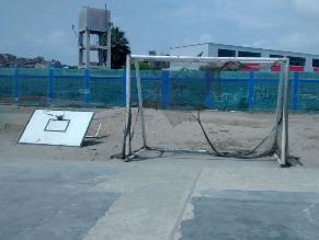 Plataforma de básquet cae y deja un herido en Chorrillos