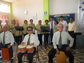 Chiclayo: entregan equipos musicales para ayudar a adultos mayores