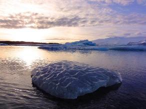 Calentamiento marino derrite un gran glaciar en la Antártida