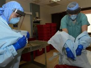 OMS: por primera vez desde junio, menos de 100 casos de ébola en una semana