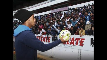 Preparador del Querétaro indica que a Ronaldinho ya no le gusta correr