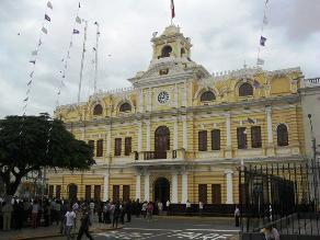 Chiclayo: municipio solo pagará parte de deuda a proveedores de leche
