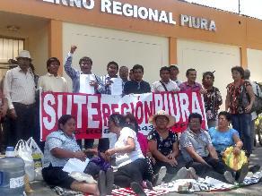 Piura: docentes trasladan huelga de hambre al gobierno regional