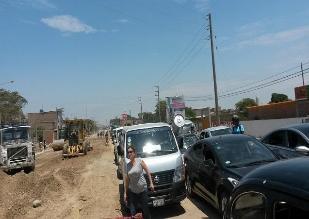Chiclayo: tráfico en la autopista a Pimentel es cada día más caótico