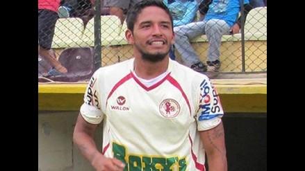 Reimond Manco y su última ´perlita´ con camiseta de León de Huánuco