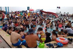 Gran demanda de piscinas por aumento de temperatura