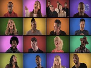 ¡Mira a Christina Aguilera, One Direction y más cantando juntos!