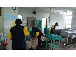 Desperdicios salen por emergencias de Policlínico Grau
