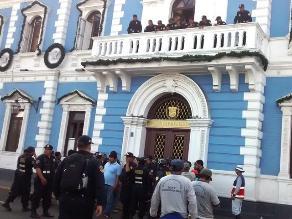 Trujillo: 350 trabajadores de obras públicas exigen sus pagos