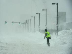 Tormenta invernal en EEUU deja 10 muertos y 3.700 vuelos cancelados