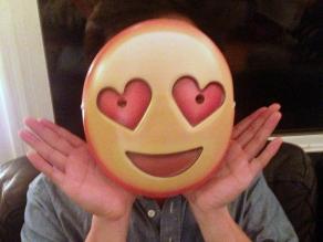 Match: Gente que usa emojis tiene vidas sexuales más activas