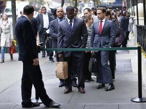 Empleo en EEUU aumenta enérgicamente en enero y salarios repuntan