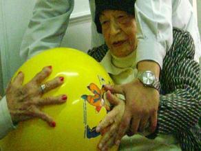 España: Prueban con éxito en ratones una molécula para tratar el alzheimer