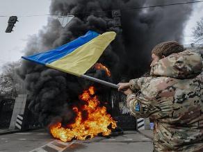 En medio de combates, Ucrania apura su última oportunidad de lograr la paz