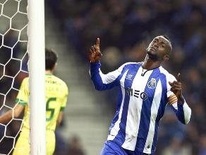 Jackson Martínez entra en la historia del Oporto al marcar gol número 5000