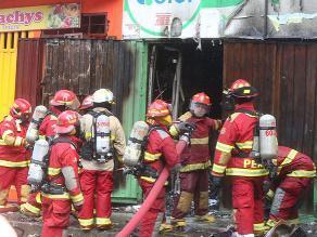 Incendio en Cercado de Lima deja más de 30 inmuebles afectados