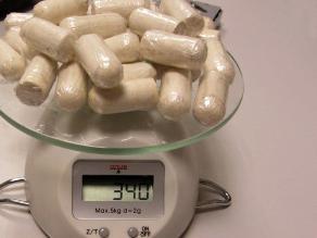 Hallan muerta a adolescente boliviana con 104 cápsulas de cocaína en estómago