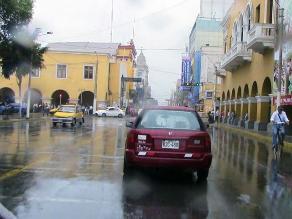 Techos de viviendas precarias colapsan por fuertes lluvias en Ica