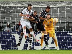 Corinthians de Paolo Guerrero igualó 1-1 ante Once Caldas y sigue en carrera