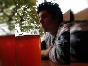 Cómo reconocer si una persona es alcohólica